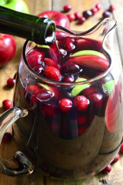 Cranberry-Apple-Sangria-6-small-1